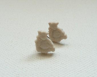 ns-Small Ivory Teddy Bear Stud Earrings