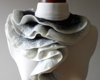 Felted Collar - Black and White - Ruffled - Neck Ruff