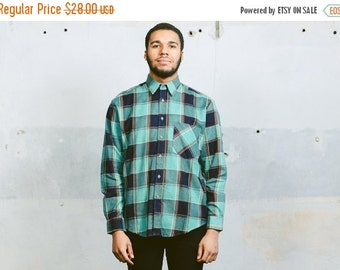 SALE . Vintage PLAID Flannel Shirt . 1990s Grunge Button Down Green Cotton 90s Casual Long Sleeve Hipster . Small Medium Large