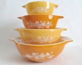 Set of 4 Pyrex Butterfly Gold Cinderella Mixing Bowls Version 2