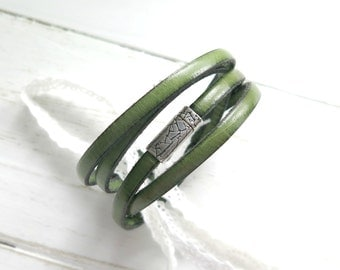 Boho Leather Cuff in Green, Leather Bracelet, Leather Wrap Bracelet, Leather Jewelry, Leather Bracelet for Her, Bohemian, Spring Fashion,