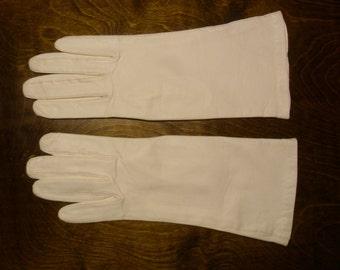 Vintage 1960's  White Kid Leather Gloves  Deadstock  Size 7