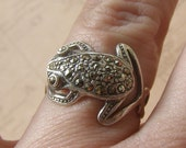 Marcasite Frog Ring, Sterling Silver Frog Ring, Vintage Sterling Ring, Size 7 Ring