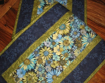 Quilted Table Runner, Blue, Gold and Turquoise Daisies, Summer Tablerunner, Reversible Runner, Pansy Table Runner, Handmade, Tahoequilts