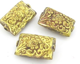 1 Bead - Large rectangle shape ethnic tibetan flower repousse  brass bead antiqued gold color - BD854