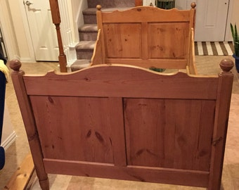 Antique Vintage English Pine Bed.  Farm mhouse Headboard and Footboard.  Single or Twin.