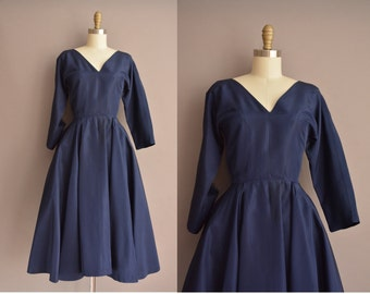 50s navy blue full skirt vintage dress / vintage 1950s dress
