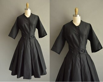 I.MAGNIN 50s black clean crisp vintage dress / vintage 1950s dress