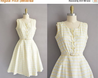 25% off SHOP SALE... Ann Taylor 50s yellow and gray cotton vintage dress / vintage 1950s dress