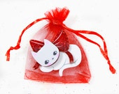 Valentines Jewelry / Cat Brooch with red glitter ribbon