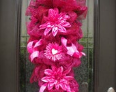 Pink Valentine Swag, Valentines Day Wreath, Valentine Door Wreath, Valentine Decoration, Door Swag