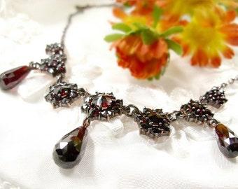 Beautiful Bohemian garnet briolet necklace || ГРАНАТ 011