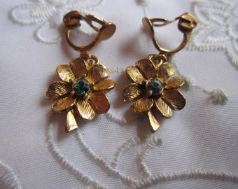 Vintage Gold Tone Four-Leaf-Clover Clip On Earrings with Green Rhinestone