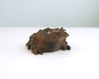 Vintage Japanese Carved Cryptomeria Wood Toad Figurine