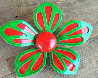 Enamel Flower BROOCH PIN Hippie Mod vintage 1960s 1970s tomato red green