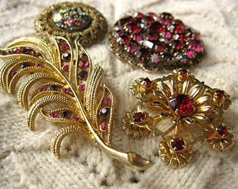Lot of 4 Red and Gold Rhinestone Brooches / Shoe Clip For DIY Bridal Bouquet Shabby Wedding Bouquet, Destash Red Rhinestone Brooches
