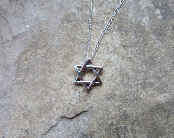 Sterling Silver Star of David Necklace, Floating Star Pendant on a Fiagaro Chain, Mens Star of David, Jewish Star Necklace, Men and Womens