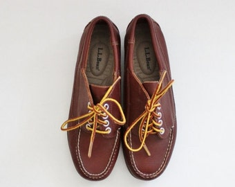 30% off sale // Vintage 90s LL Bean Boat Shoes // Rich Brown Leather // Women 7.5M