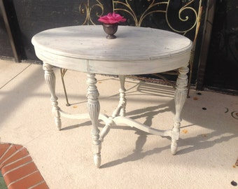 Vintage FARMHOUSE OVAL Table with Chippy White Paint / Antique Oval Table / Prairie Cottage Foyer Table / Romantic Home at Retro Daisy Girl