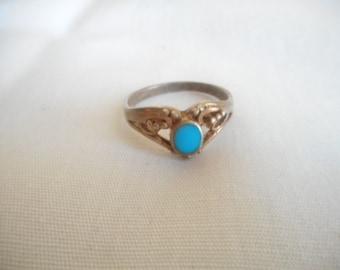Sterling Silver Turquoise Blue Stone Vintage Ring
