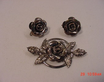 Vintage  Beau Sterling Brooch & Screw On Earring Set  16 - 355