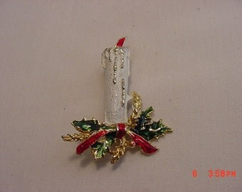 Vintage Christmas Candle Brooch   16 - 446