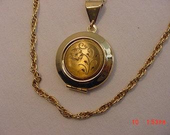 Vintage Flower  Locket Necklace   16 - 469