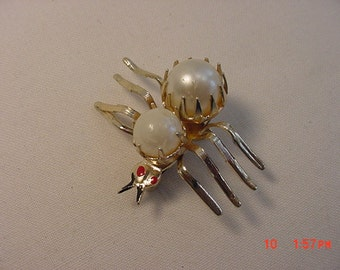 Vintage Spider Brooch With Faux Pearls   16 - 470