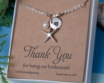 Starfish initial Pearl bracelet,monogram bracelet,custom bridesmaid card,Bridal jewelry,beach wedding,starfish bracelet,ocean theme bracelet