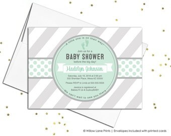 Printable baby shower invitations - neutral baby shower invite - gray mint baby shower - baby feet invitation - DIY or printed - WLP00728