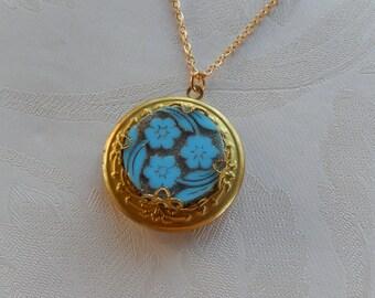 Vintage Locket, Vintage Jewelry, Blue Flowers, Working Locket, Gift for Her