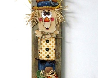Happy Harvest Sign, Scare Crow Man and Orange Pumpkin, Hand or Tole Painted on Reclaimed Barn Wood, Folk Art Scare Crow, Rustic Autumn Art
