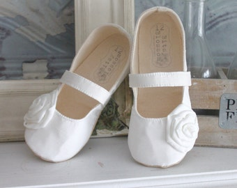Baby Girl Shoes Toddler Girl Shoes Infant Shoes Soft Soled Shoes Wedding Shoes Flower Girl Shoes Spring Shoes Summer Shoes Ivory Cream Shoes