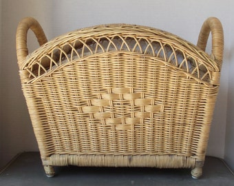 Natural Wicker Retangular Magazine Footed Basket