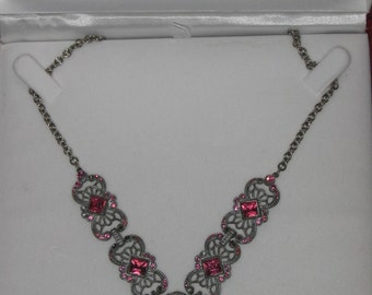 Necklace Vintage Silver Lace Pink Crystals