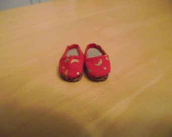 Red with gold moon design slip on flats shoes for Pullip / obitsu