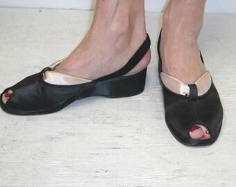 Vintage Nestletoe 1940's Women's Black Pink Satin Slippers Boudoir Shoes - Size 6/7 M