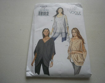 Pattern Ladies Top 3 Styles Sizes 4 to 14 Vogue 8905