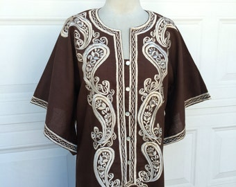 A vintage 1970s brown and cream embroidered bell sleeves bohemian hippie hostess maxi dress size S M