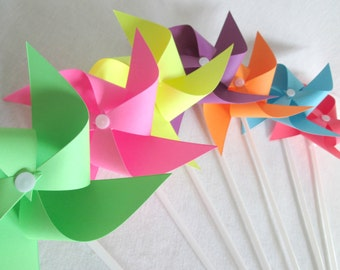 Paper Pinwheels Rainbow Favors Birthday Party Favors Rainbow Pinwheels Set of 7 Pinwheels Baby Shower Table Centerpiece Photo Prop