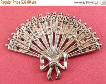 Lang Large Sterling Silver Pierced Hand Fan Pin