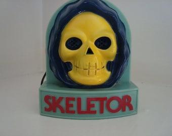 Vintage Skeletor/He-Man AM radio