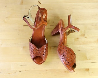 Wooden Heels 6 • Peep Toe Heels • Brown Leather Heels • Wood Heels Made in Brazil • Boho Heels • Heeled Sandals • Low Heels  |