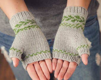 KNITTING PATTERN PDF file for fingerless gloves-sport weight