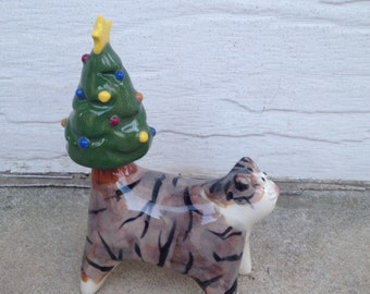 Tabby and white cat with Christmastree tail - miniature ceramic sculpture