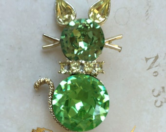 Vintage DODDS Green Rhinestone Cat Brooch, Estate Jewelry