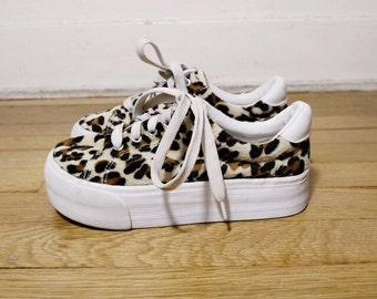 90s leopard print fuzzy platform sneakers size 7.5