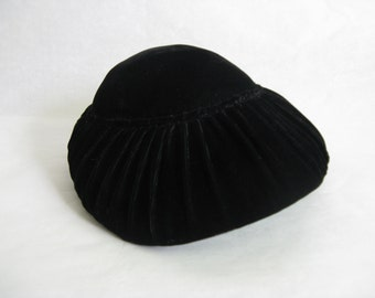 Vintage 1950s Fascinator Black Velvet Simpsons 50s Ladies Dress Hat Vintage Millinery Headpiece