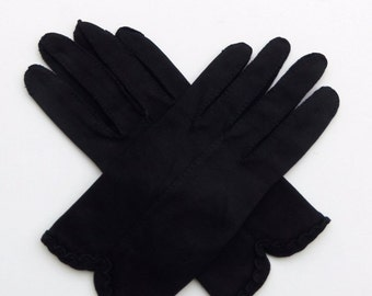 Vintage 50's 60's Gloves Black Cotton Scalloped Hem Design Size 7