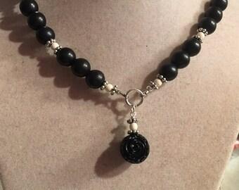 Black Necklace - Silver Jewelry - Turquoise Gemstone Jewellery - Flower Pendant - Fashion - Beaded